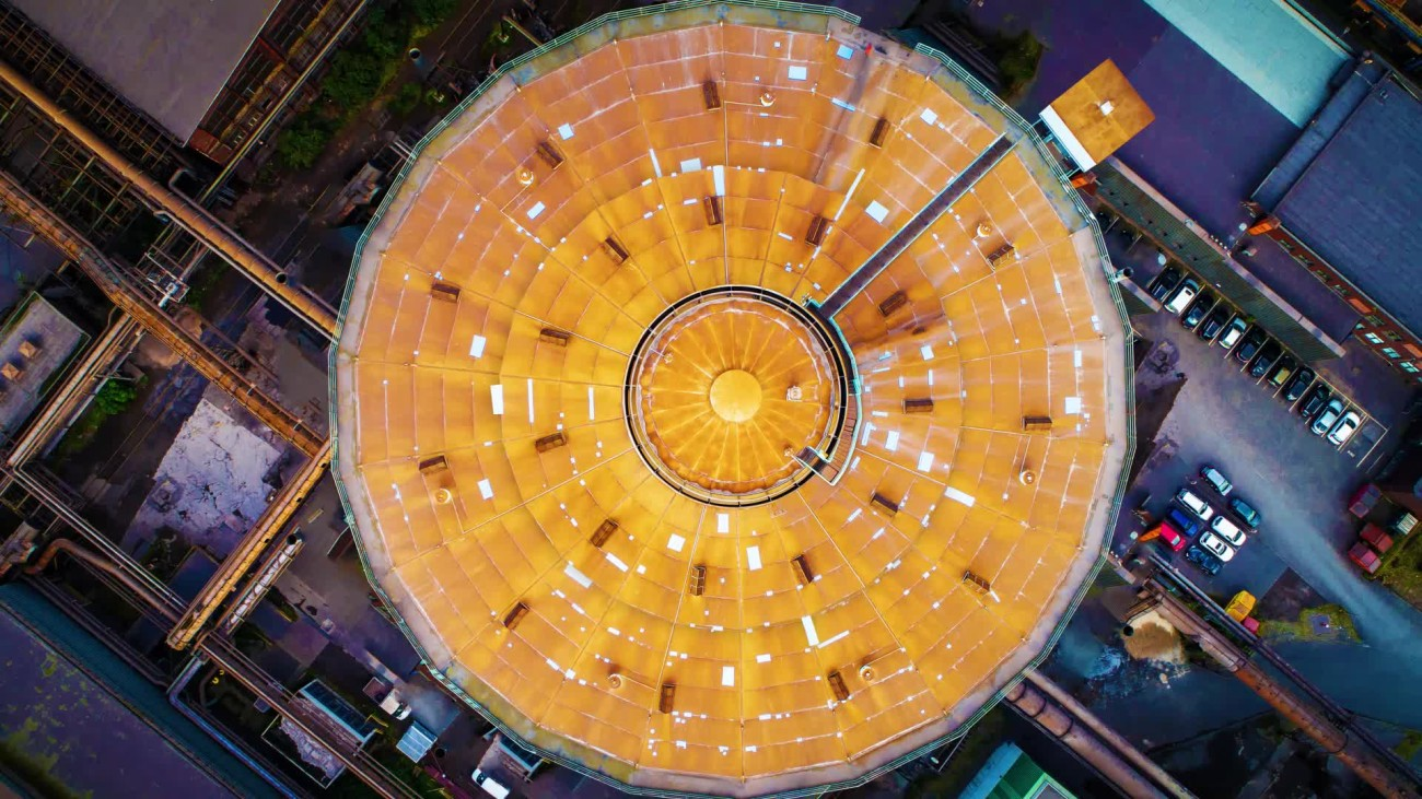 Spectacular drone-captured image of Duisburg-Hamborn's gasometer