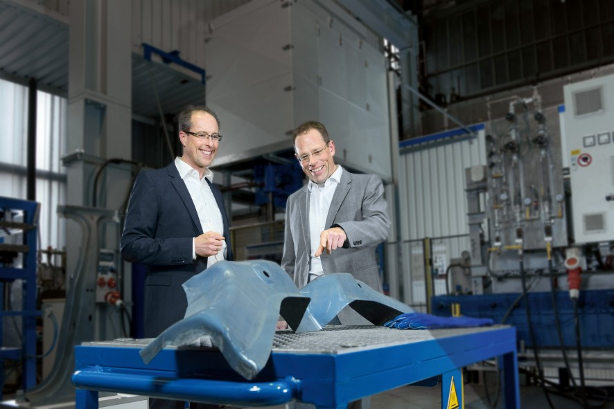 Stefan Eiden and Lutz Kessler discuss the development of a new dash panel cross member | thyssenkrupp Steel Europe
