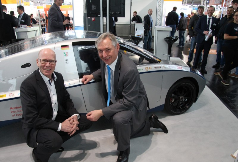 Friedbert Pautzke, Bochum University (left), and Dr. Reinhold Achatz, Chief Technology Officer at thyssenkrupp.