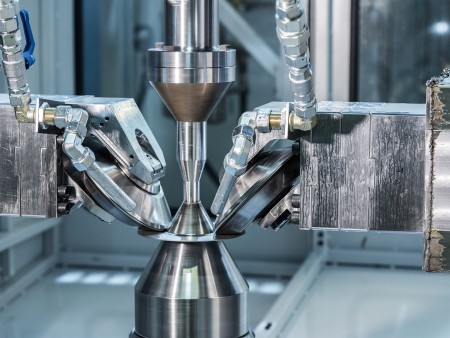 Flow-forming machine