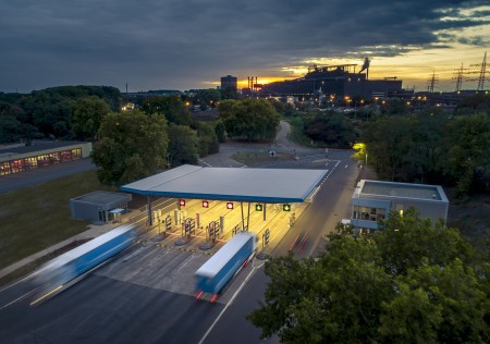 Digitized check-in at one of Germany's biggest logistics hubs: thyssenkrupp Steel opens modernized plant gates at Duisburg site