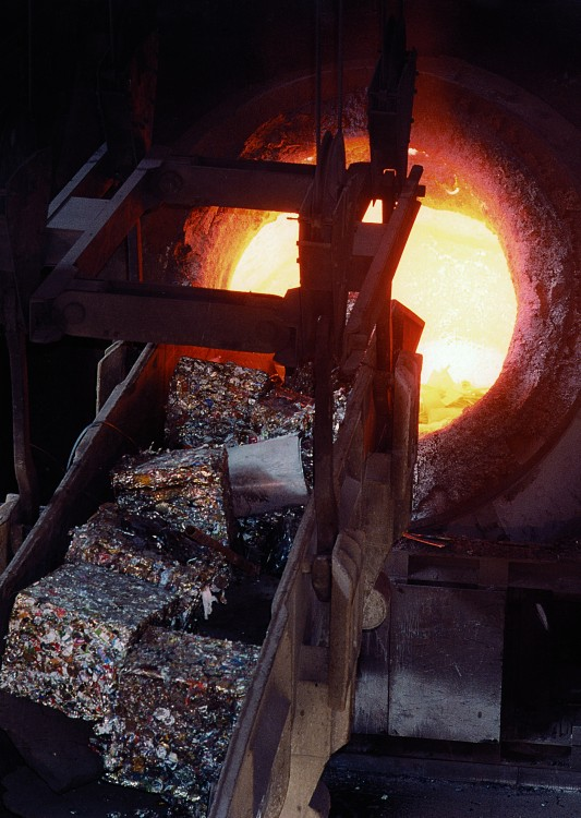 Recycling: Steel scrap replaces primary raw materials